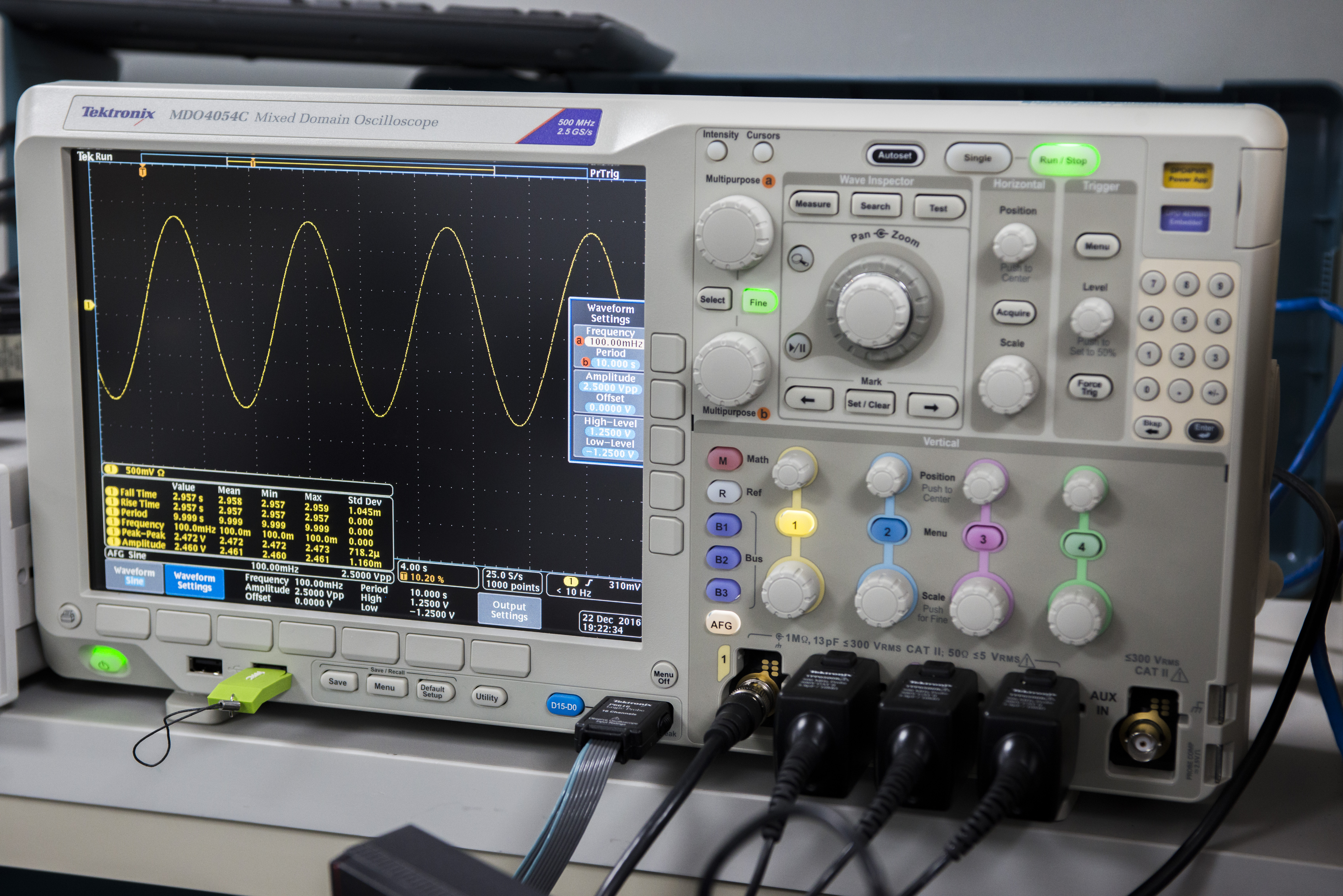 xDevs com | Review of Tektronix MDO4000C mixed domain oscilloscope